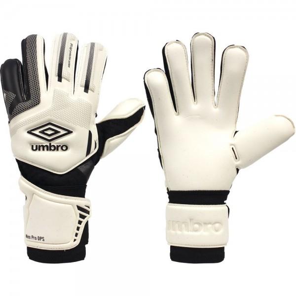 umbro gloves goalkeeper