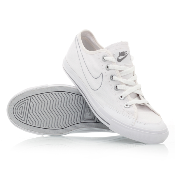 White Nike Canvas